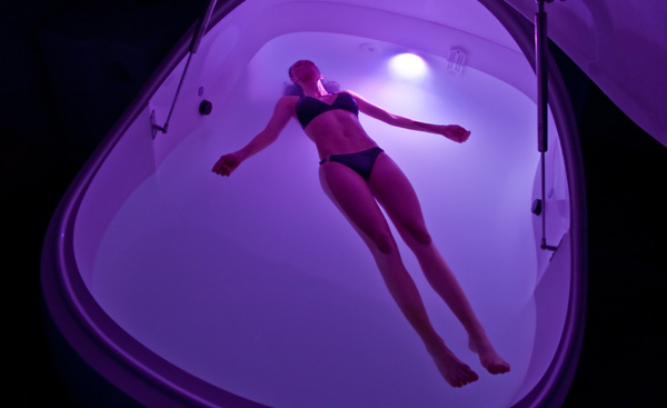 floating-in-purple-i-sopod-float-tank